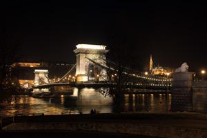 The Chain Bridge and Buda castle at night
