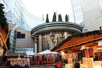 christmas_fair_fashion_street