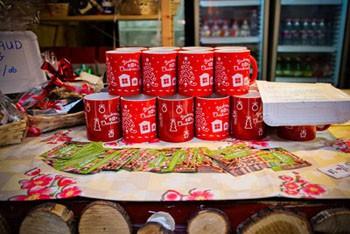 Festive Mug in red design