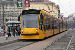 Combino tram along grand boulevard