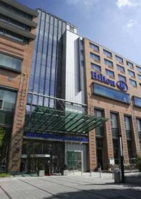Hilton Budapest WestEnd street view