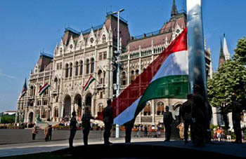 Raising the National Flag in front of the Parliament