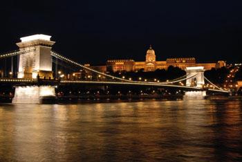 The Danube and the Chain bridge at night