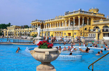 splashing in the outdoor pool of Szechenyi Bath
