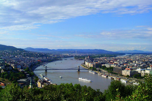 View of the Danube with the Chain Bridge and sightseeing boats