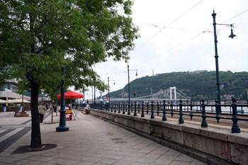 Danube promenade-nice walkway between the Chain Bridge and Elizabeth Bridge