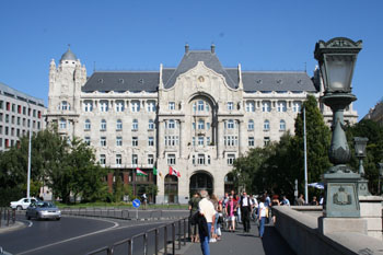 the facade of the Four Seasons Gresham Palace from Buda