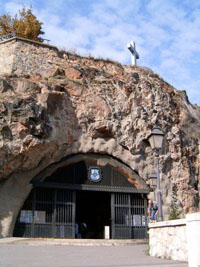 the vaulted entrance to the cave church