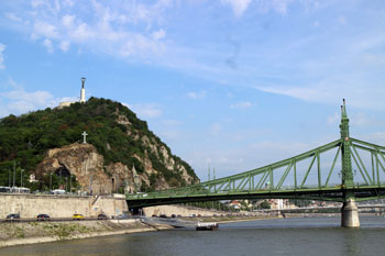 the Gellert Hill and the Buda end of the Liberty bridge