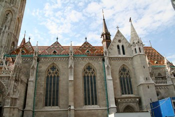 gothic_windows_matthias_church