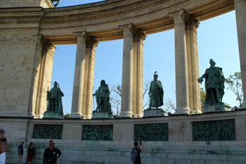 statues of Hungarian historic figures in the colonnade