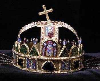 crown of Hungary placed on black velvet