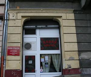 entrance of Kádár étkezde