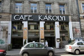 karolyi_cafe_outside