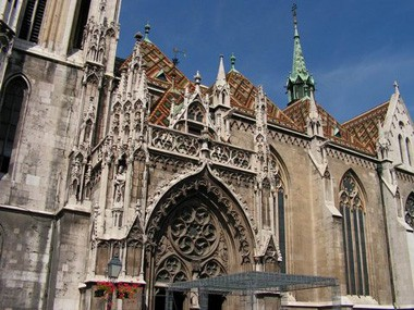 the ornate gate of Matthias Church
