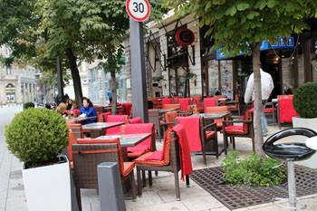 Terrace of the Vén Diak Pub on Egyetem Square