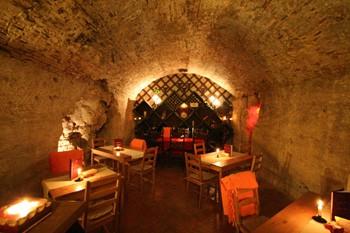 wine_tasting_faust_cellar