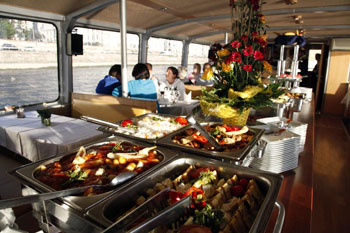 budapest_boat tour_lunch