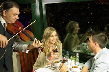 budapest_cruise_dinner_music