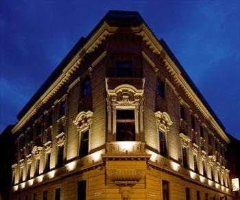 facade of Hotel Palazzo Zichy at night