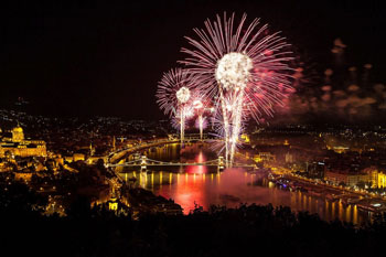 fireworks over the Chain bridge