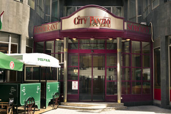 entrance of City Hotel Pilvax