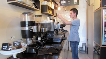 making espresso in Fekete Cafe