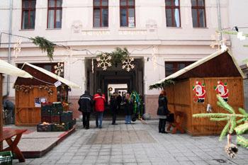 Gozsdu Court at Christmas time