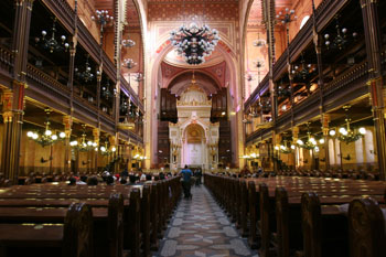 the interior of the Dohany Str. Synagogue