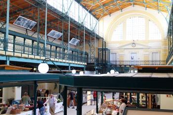 "the Belvárosi piac inside"""