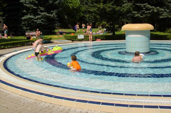 the round shape children's pool