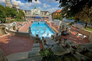 outdoor pools of the Gellert complex