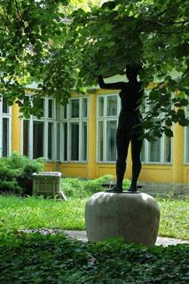 kiraly_bath_budapest_courtyard