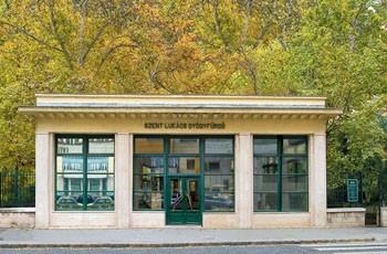 lukacs_bath_budapest_entrance