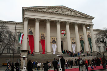 commemoration on the steps of the Hungarian National Museum