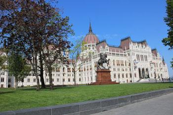 the Rákóczi statue on Kossuth sqr