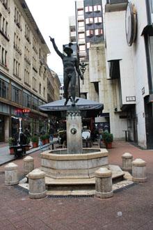 Fountain of Mercury, Váci utca