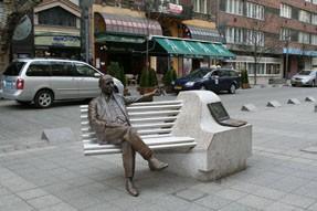 statue of Imre Kálmán on Pesti Broadway