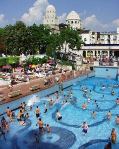 Outdoor pools in summer in the Gellert Spa