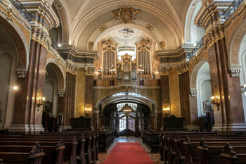 the pipe organ and the main nave of the church